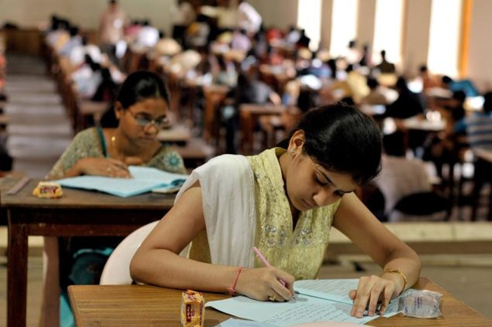 essay examination hall Top 20 mistakes students commit when attempting a test or exam paper, and how to overcome them  you enter the exam hall and your hands sweat when you receive the.