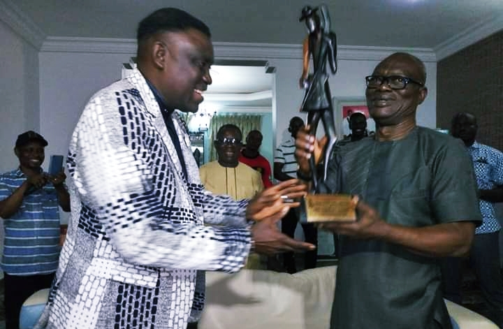 Comrade Ovuozourie Macaulay Receiving Delta State PMAN Award