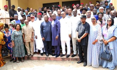 Delta State Governor, Senator Ifeanyi Okowa (middle) flanked by Delta PDP Stakeholders during the Official Inauguration of PDP Campaign Committee of the 2019 Elections, at Government House Asaba.