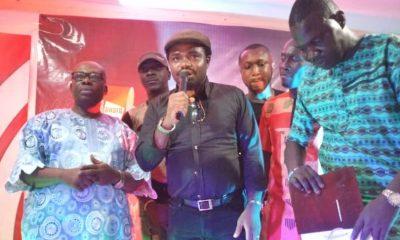 CEO, Didoz Lounge Lagos ans Asaba, Engr. Fidel Onwodi Speaking at an Award Ceremony